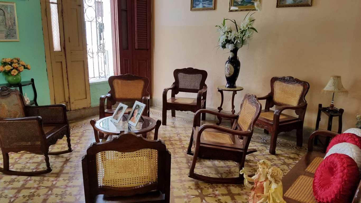 Casa en venta en Cienfuegos con  3 cuartos y 3 baños por $ 80.000