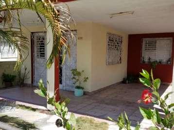 Casa en venta en Cienfuegos con  6 cuartos y 2 baños por 65.000,00$