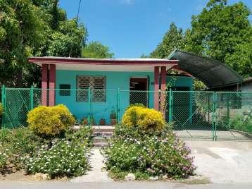 Casa en venta en Cienfuegos con  4 cuartos y 1 baño por 30.000,00$