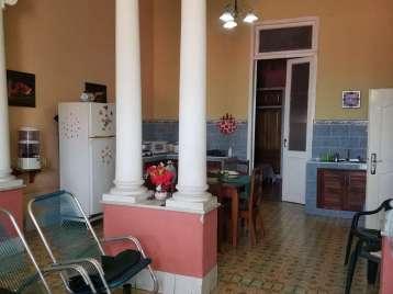 Casa en venta en Cienfuegos con  2 cuartos y 1 baño por $45,000