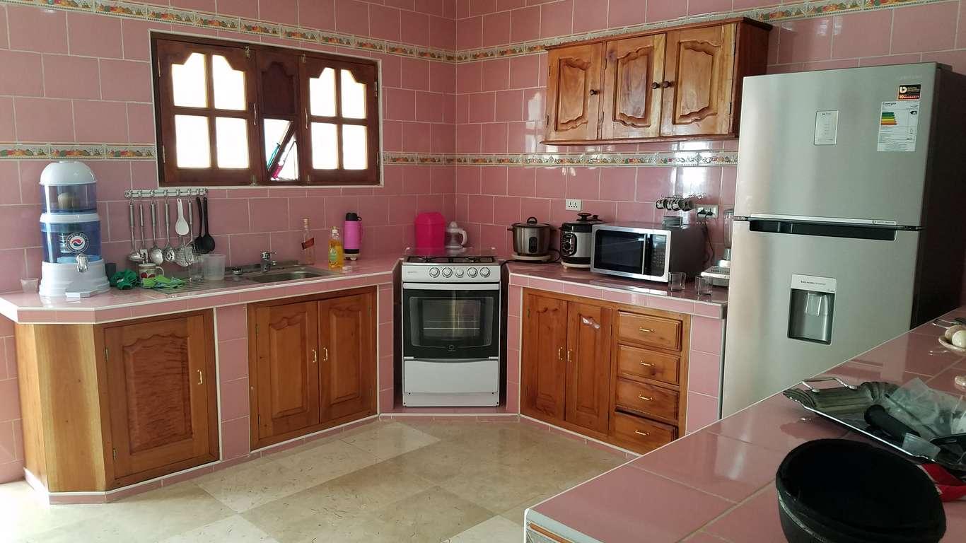 HEC843: Casa de 3 cuartos y 2 baños por $ 120.000 en ...