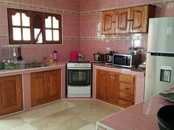 Casa en venta en Cienfuegos con  3 cuartos y 2 baños por $120,000