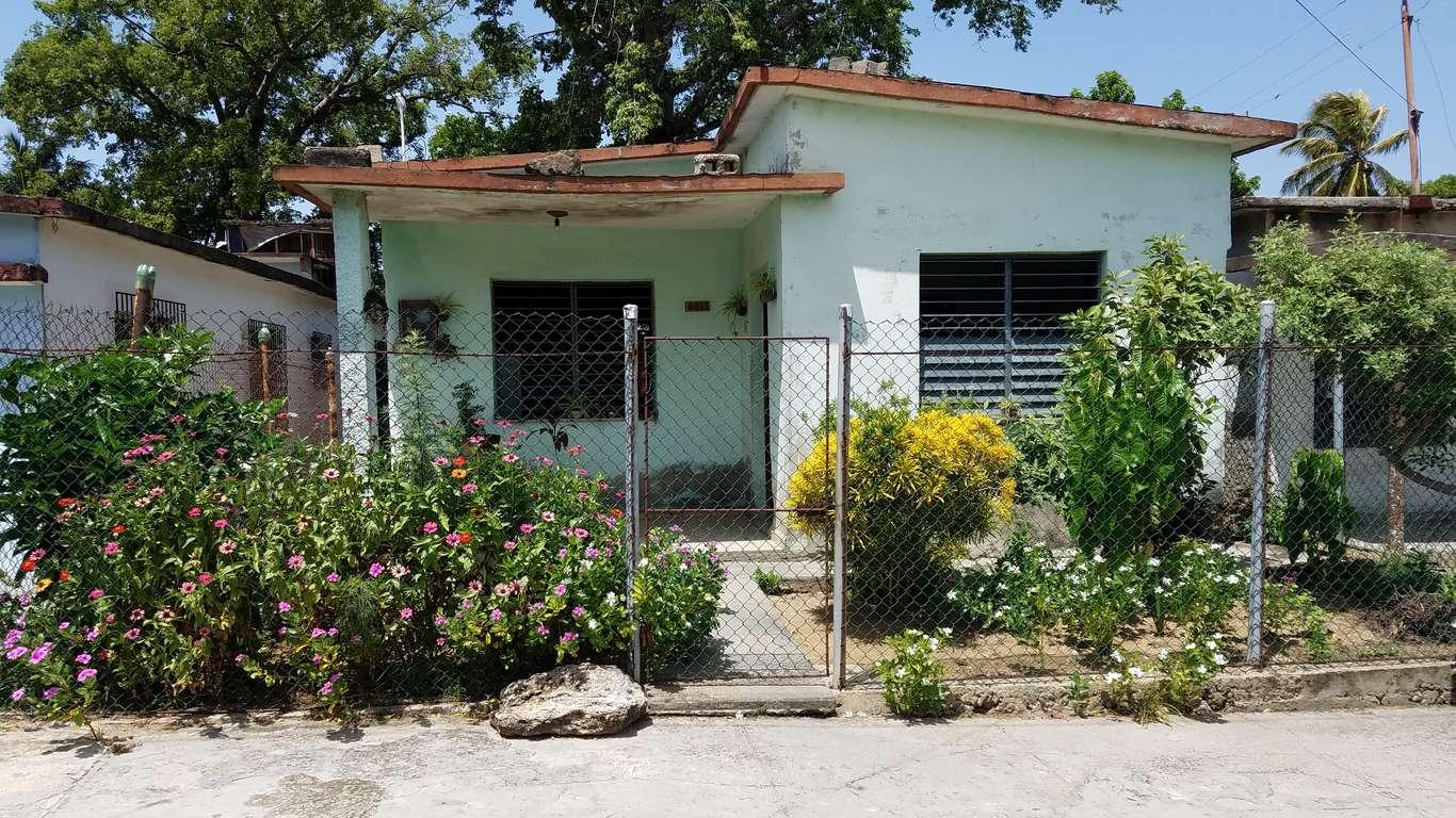 HEC848: Casa de 2 cuartos y 1 baño por $ 20.000 en Cienfuegos, Cienfuegos