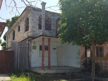 Casa en venta en Cienfuegos con  4 cuartos y 2 baños por 28.000,00$