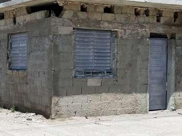 Casa en venta en Cienfuegos con  2 cuartos y 1 baño por 8.000,00$