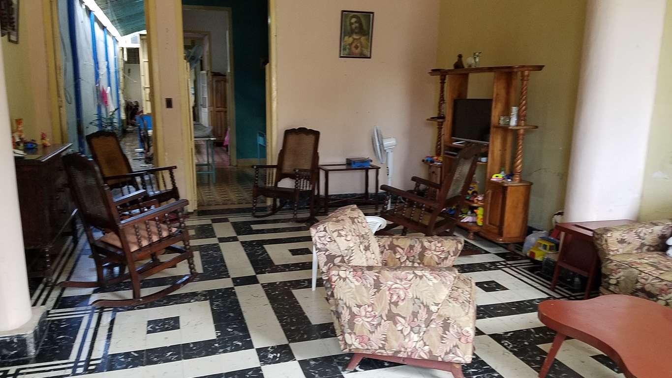 HEC869: Casa de 3 cuartos y 1 baño por $ 45.000 en Cienfuegos, Cienfuegos