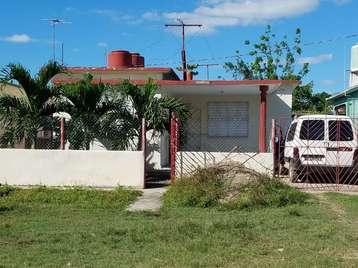 Casa en venta en Cienfuegos con  3 cuartos y 1 baño por 25.000,00$