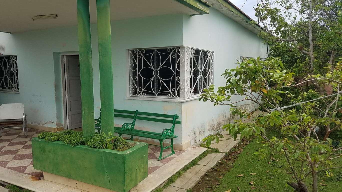 Casa en venta en Cienfuegos con  3 cuartos y 2 baños por $ 90.000