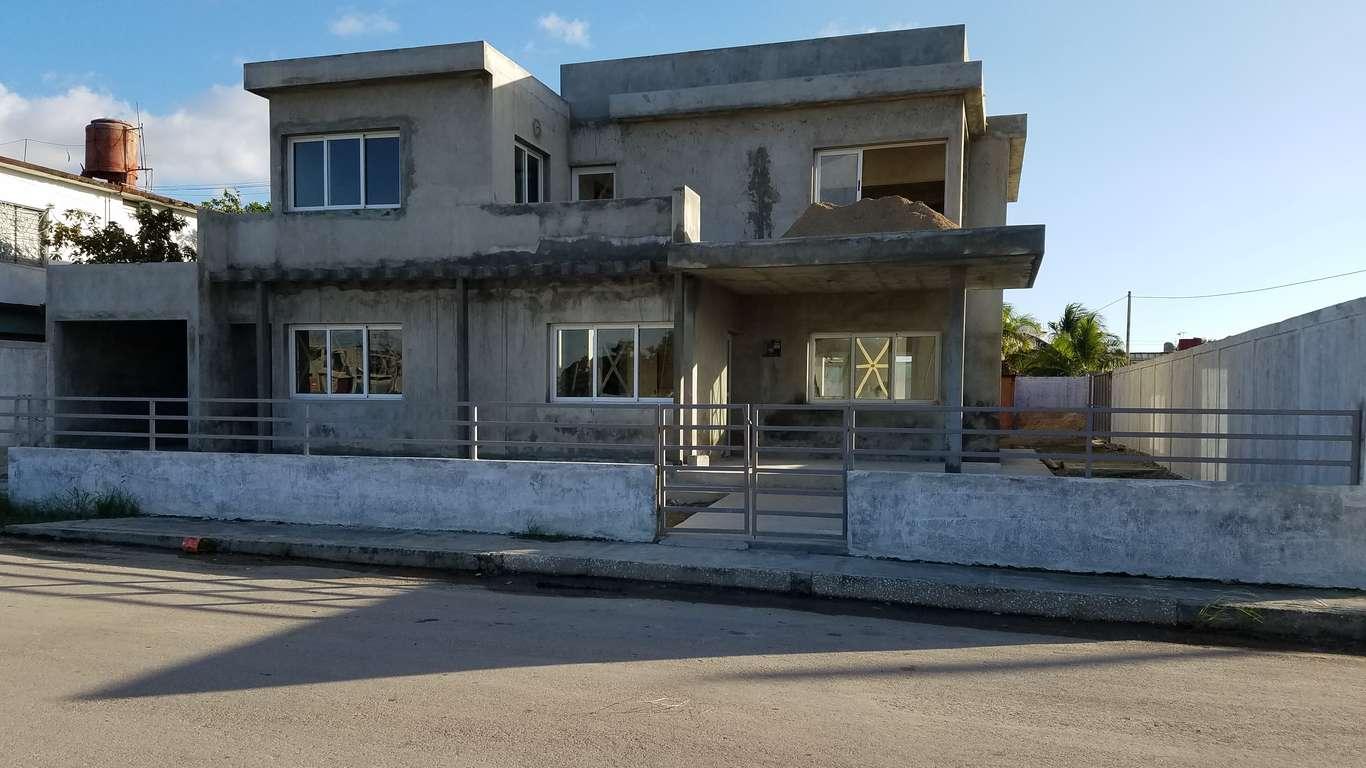 HEC890: Casa de 4 cuartos y 4 baños por $ Ajustable en Cienfuegos, Cienfuegos