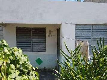 Casa en venta en Cienfuegos con  2 cuartos y 1 baño por 4.000,00$