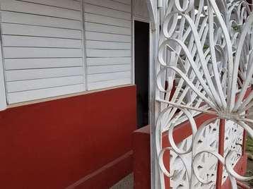Apartamento en venta en Cienfuegos con  3 cuartos y 1 baño por 12.000,00$