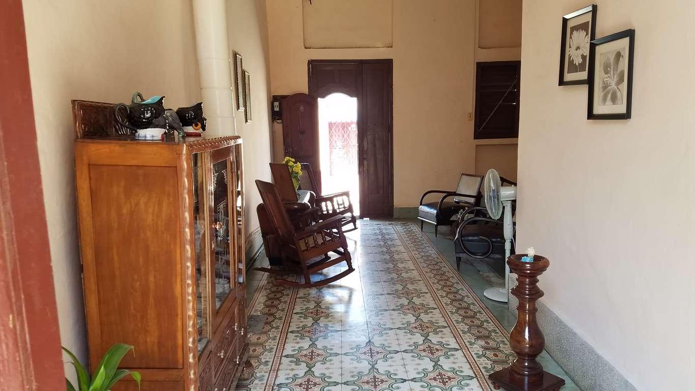 Casa en venta en Cienfuegos con  3 cuartos y 1 baño por $ 65.000