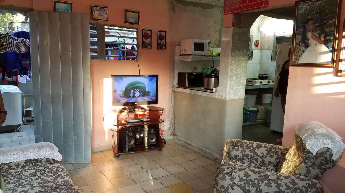 HEC924: Casa de 2 cuartos y 1 baño por $ 10.000 en Cienfuegos, Cienfuegos