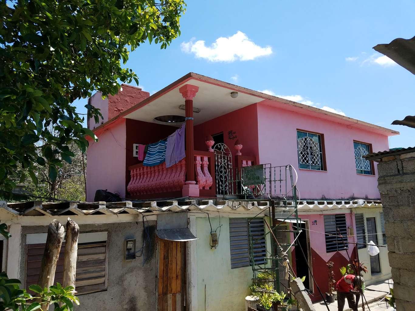 Casa de  2 cuartos y 1 baño por $ 16.000 en Cienfuegos, Cienfuegos