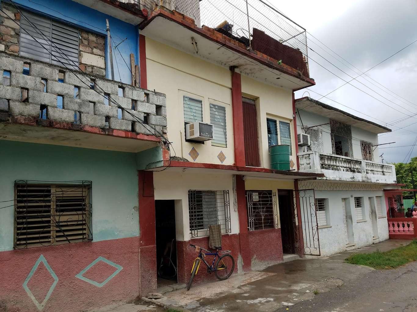 HEC952: Casa de 2 cuartos y 1 baño por $ 15.000 en Cienfuegos, Cienfuegos