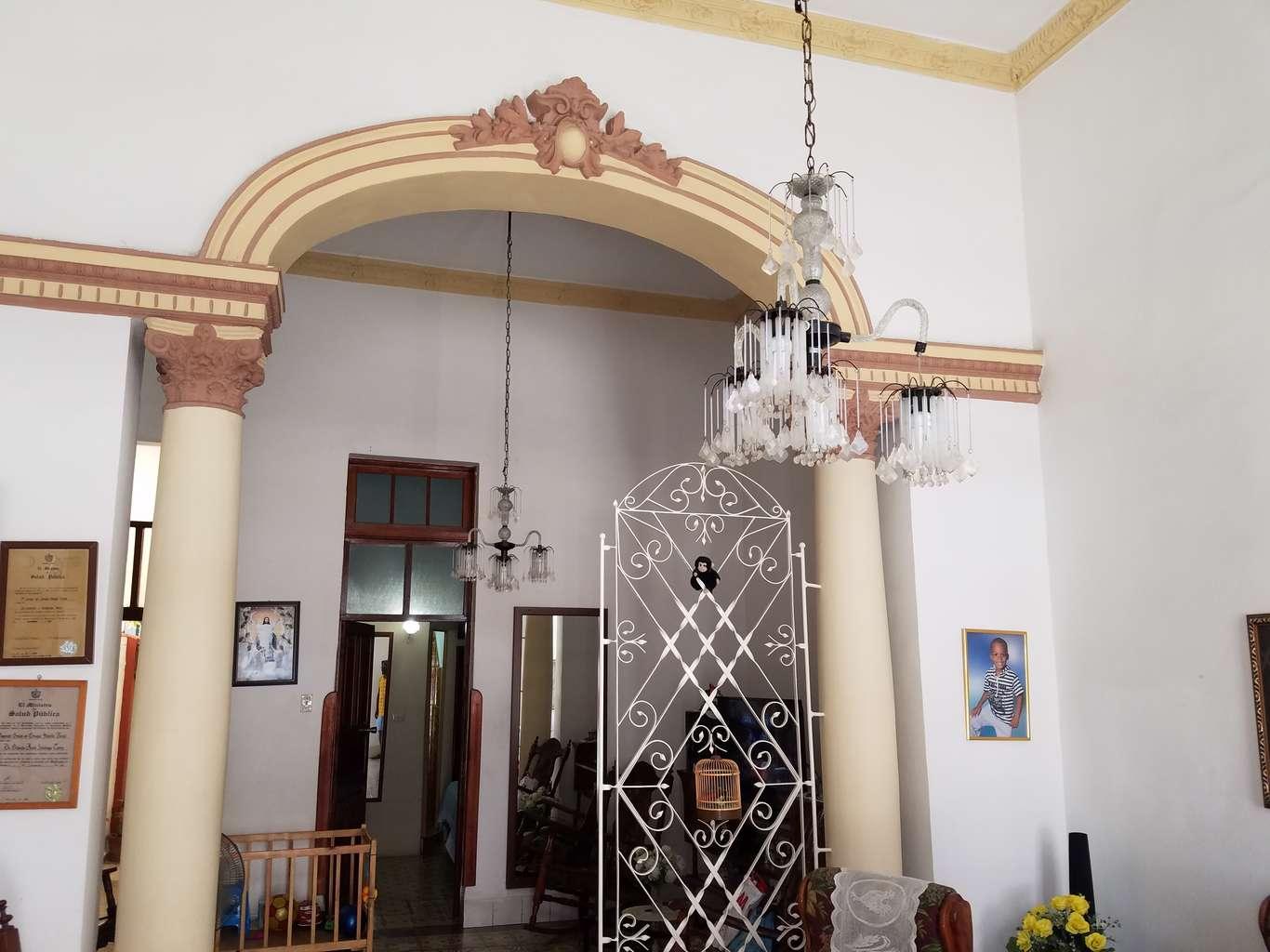 HEC994: Casa de 4 cuartos y 4 baños por $ 80.000 en Cienfuegos, Cienfuegos